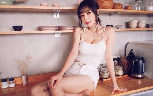 水嫩香滑校园美眉村瀬绫里子清纯靓丽惹人爱18p