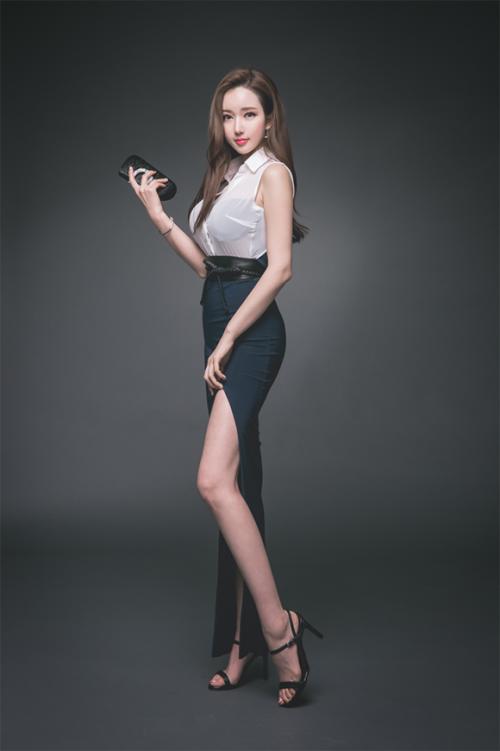 清纯丽人美少女结城夏那白嫩美姿养眼写真29p