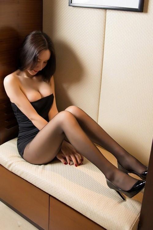 迷人优雅小姐姐高清惹人写真美图22p