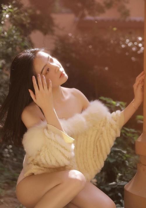 曼妙身躯美女张静尤闪亮人体艺术高清写真7p