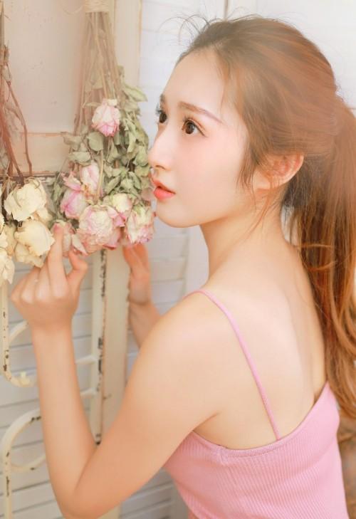 可爱瘦小伊人MM结城夏那清纯模样情趣蕾丝装唯美写真26p