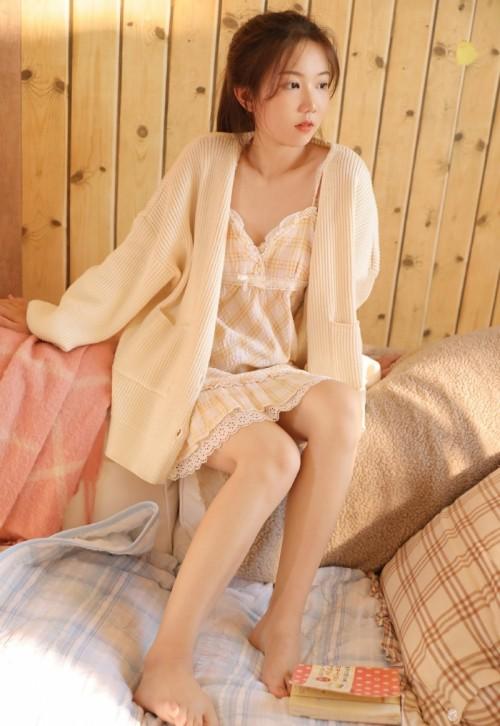 清纯养眼魅力少女刘奕宁Lynn酥胸覆白色内衣写真39p