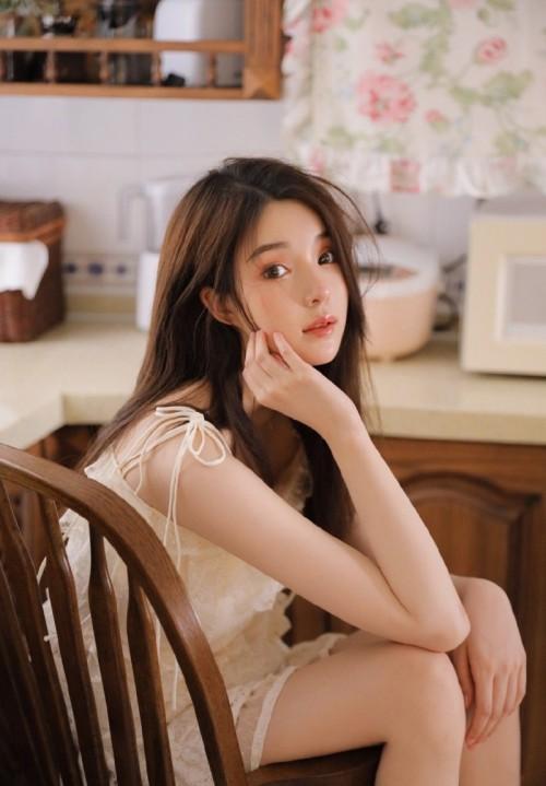 青春甜美美女王诗琪居家私房娇艳动人45p