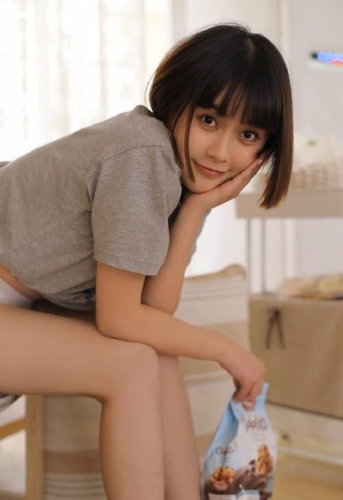清纯甜美美女晓迪白皙魔鬼身材香艳迷人19P