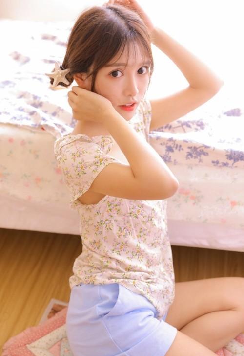 雪白妖娆身材美女范诗琪性感内衣秀5p