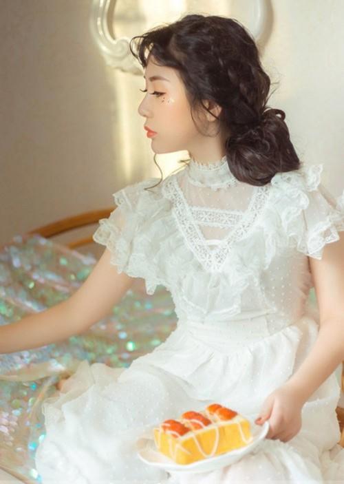 活泼惹人正妹Yumi绝美内衣秀笑容超迷人41p