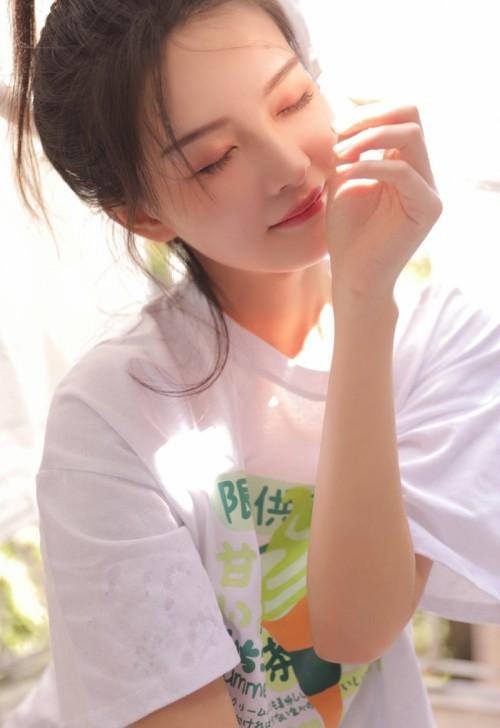 娇羞人妻李夫人旗袍肉丝撅臀示爱46p