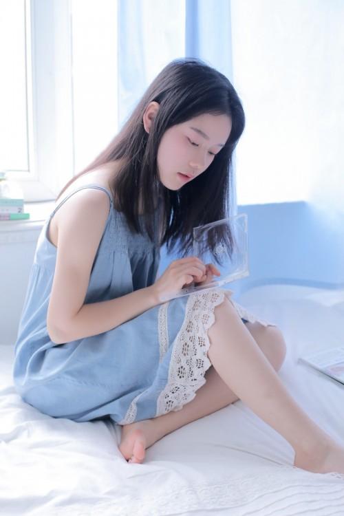 妩媚娇羞人妻李夫人粉嫩身躯旗袍肉丝撅臀示爱47p
