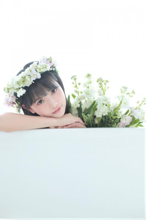 日系美女吊带裙娇嫩妩媚性感撩人写真7p