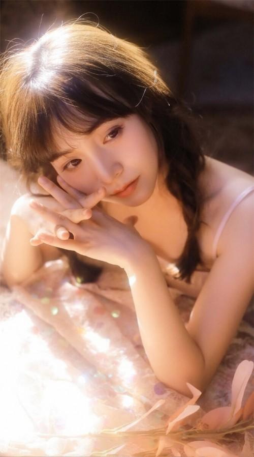 丰满少女娇萌萌童颜巨乳艺术诱惑37p