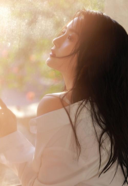 清纯丽人美女李昔雨白色耳罩笑容脸上尽现17p