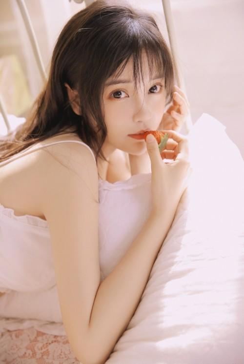 中国内地影视女演员嫩模李莎莎优美美姿唯美写真7p