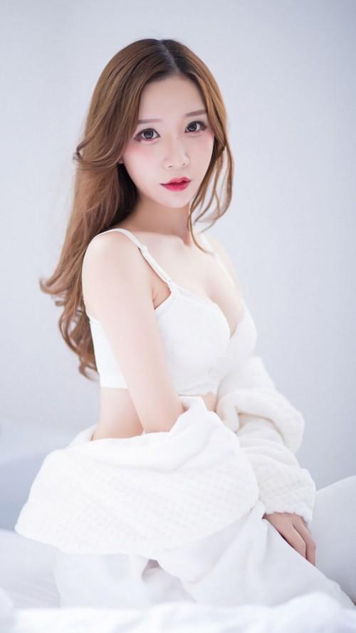 迷人长发红裙少女野外大自然唯美写真9p