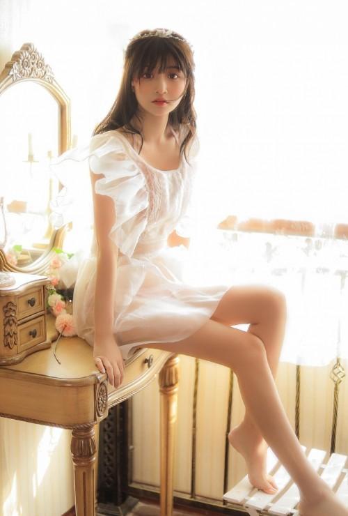 青春可爱活力美少女俏皮魅力户外唯美写真10p