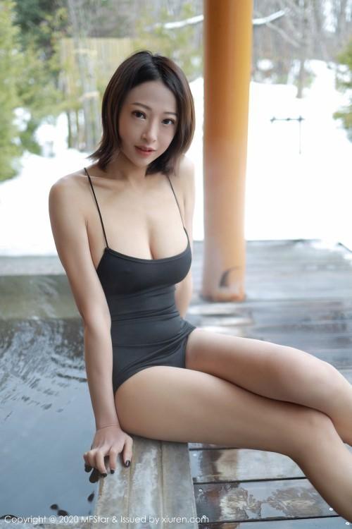 傲人冷艳美女凌希儿豪放惹人巨乳连体学生女仆装制服诱惑写真47p