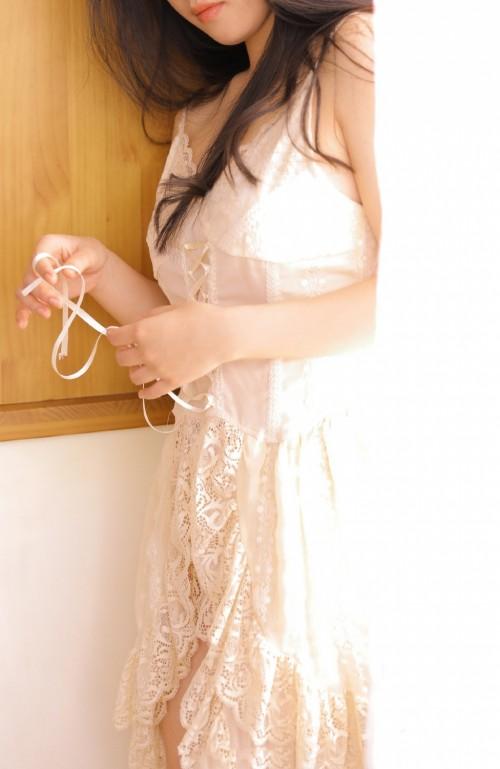 优雅清纯女儿情薄纱夕阳微光迷人写真10p