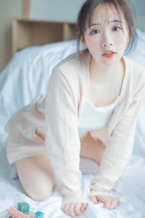 模特合集之学生小喵遭萱萱老师调教61p