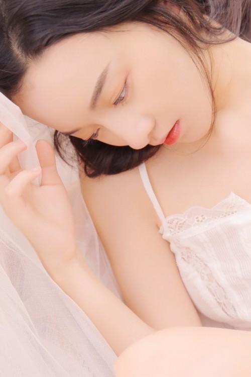 纯情玉女小尤奈情趣内衣不雅床照中国裸体丰满女人艺术照
