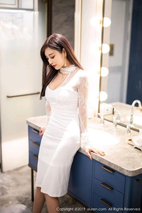 制服女子杨晨晨贴身包臀裙魔鬼身材完美高清人休艺术GOGO