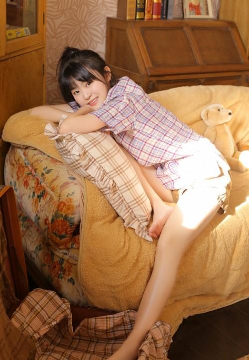 吸睛萌妹蜜汁肉丝猫裘丝滑巨乳美腿很是销魂29p