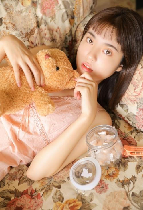 阳光青春美少女石宜甜貌美靓丽唯美写真6p