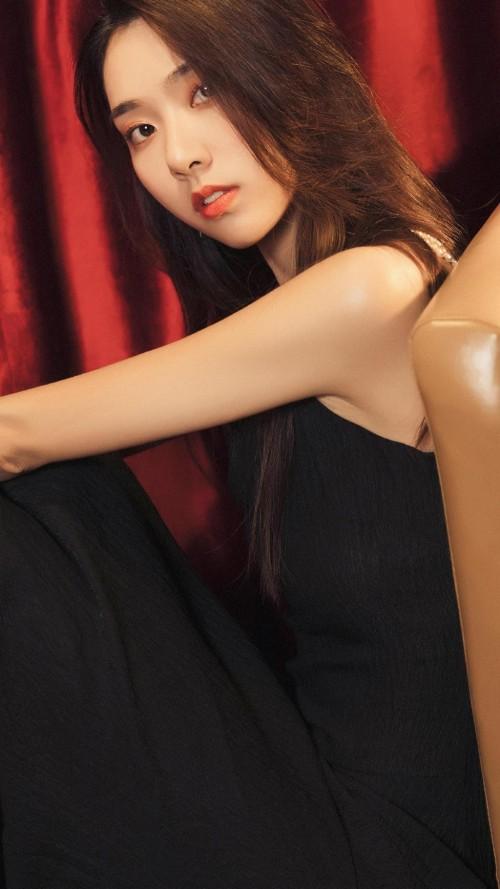 极品邻家小妹惹火身姿蕾丝胶衣体态撩人39p