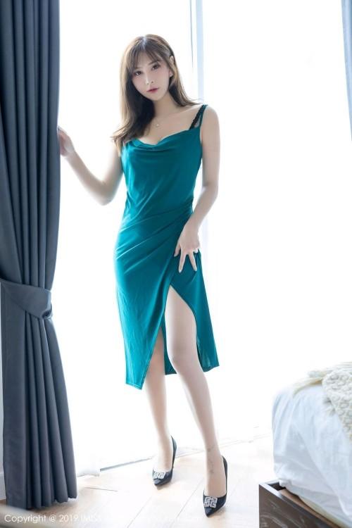 性感女神雪白迷人的酮体在镜头前无遮挡露私处高清人体艺术