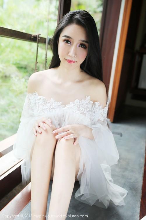 火辣美娇娘于大乔真空豪乳凸点诱惑西西人体正版高清写真