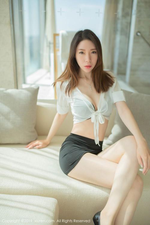 长腿白皙修长的性感腿模身材波涛汹涌诱人美女美裸体写真