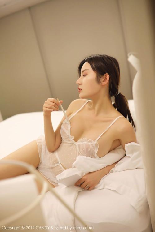 火辣美娇娘卓娅祺胸部走光凸点诱惑西西人体正版高清写真