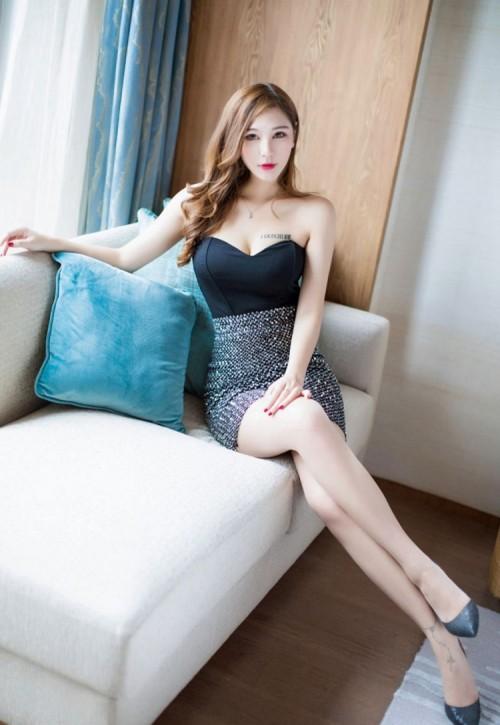 韩国美女网红模特孙允珠诱惑长袖衫图片