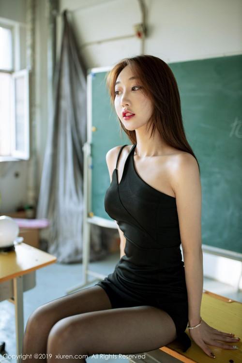 麻辣女教师小九月脱衣服丰乳肥臀337p欧洲大胆图片美女人体写真