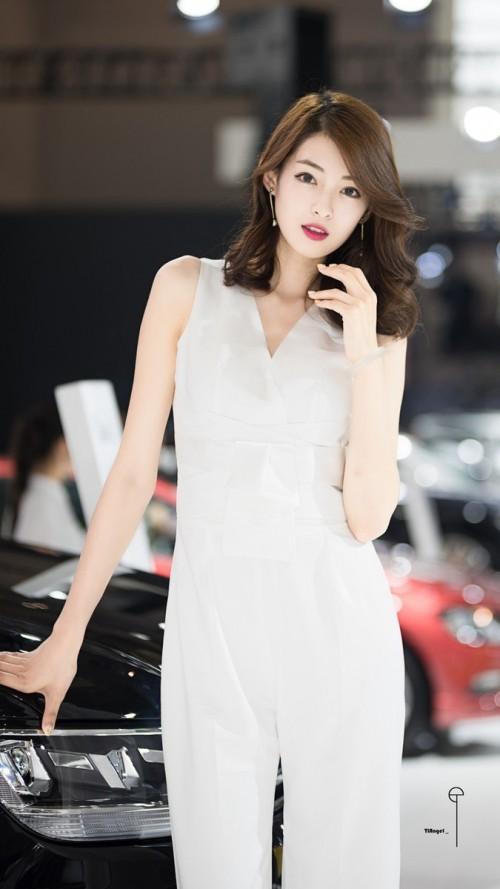 火辣美娇娘阿朱开胸露乳装齐b超短裙亚洲大胆人休艺术
