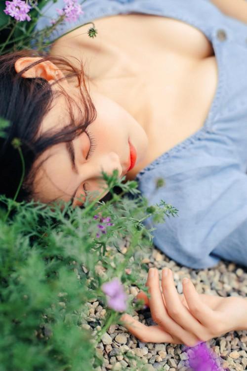 魅惑妖姬张雨萌粉嫩人体艺术照