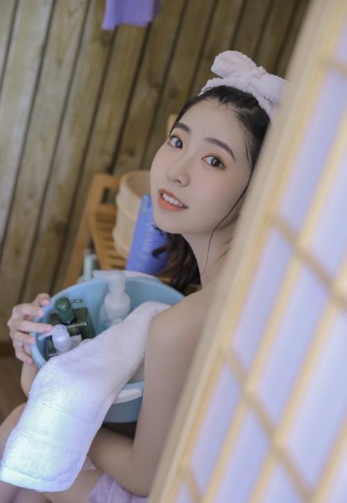 清纯娇艳学生妹极品销魂性感福利人体艺术写真