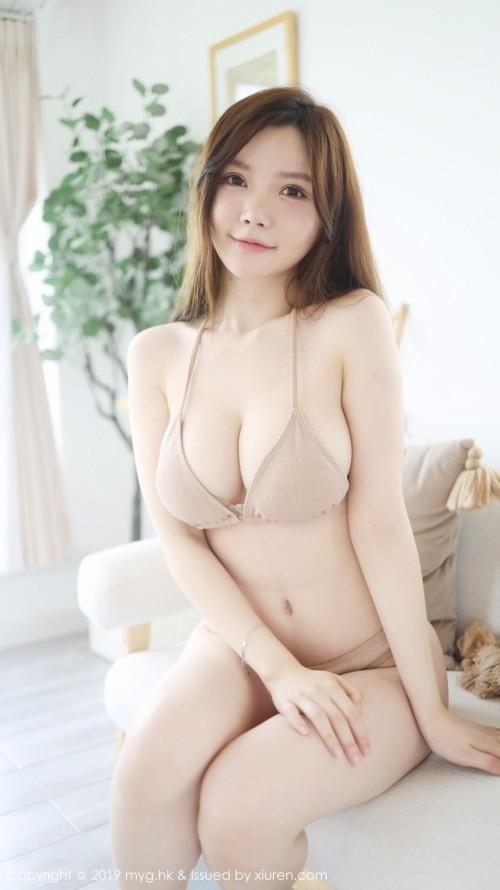 性感美女糯美子白皙美胸香闺迷人姿势大胆人体艺术照 -美眉图吧