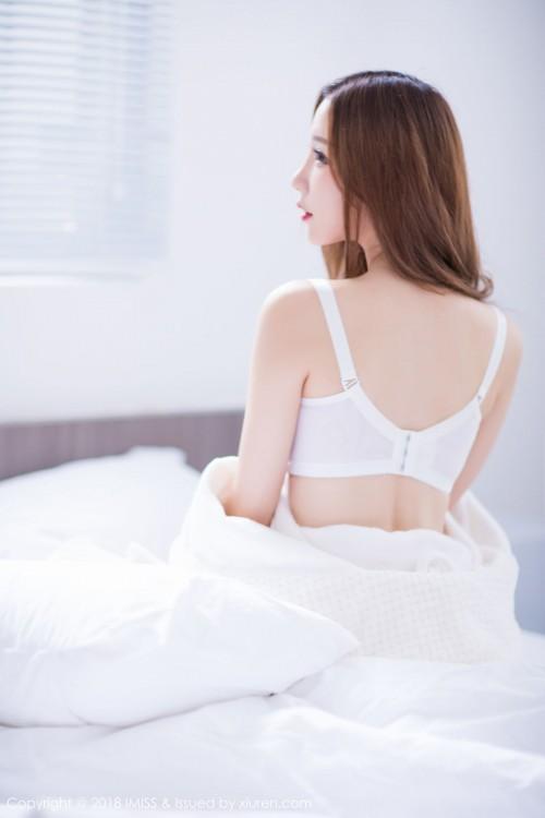 甜心娇妻小琳白色内衣诱惑超大胆大尺度人体写真-美眉图吧