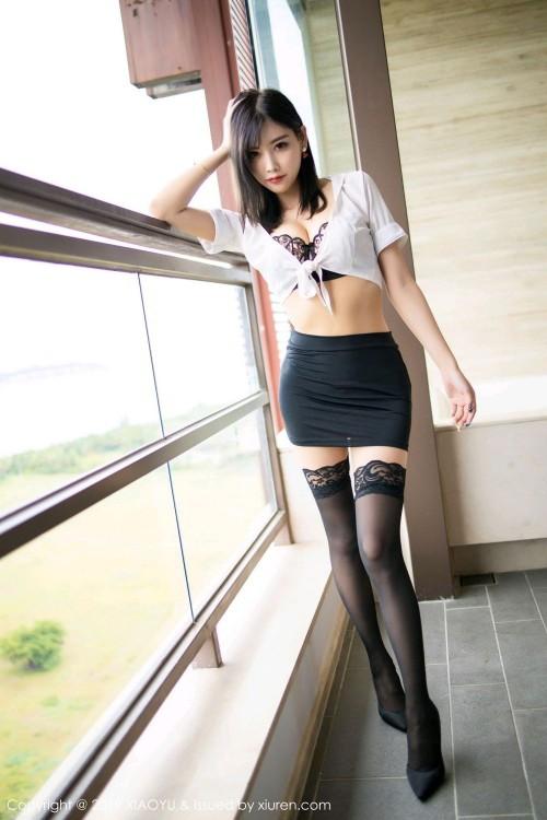 豪放大美女杨晨晨包臀裙黑丝大长腿人体欣赏写真