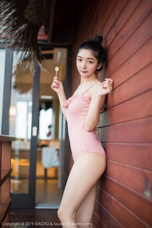 俏丽佳人小热巴性感比基尼泳衣酥胸翘臀大胆艳妇人体图片写真-美眉图吧