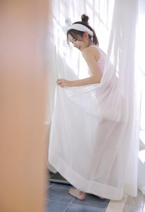 邻家少女浴室洗澡湿身原始欲望裸模人体艺术写真