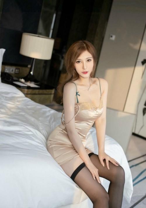 邻家漂亮人妻少妇私房黑丝美腿包臀裙大胆人体艺术写真图片