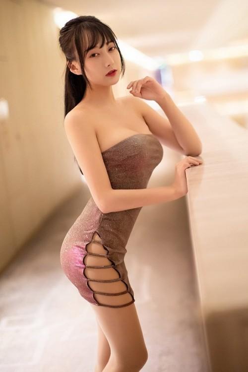 美丽女教师性感包臀裙爆乳深沟摇摇欲坠高清人体艺术照 -美眉图吧