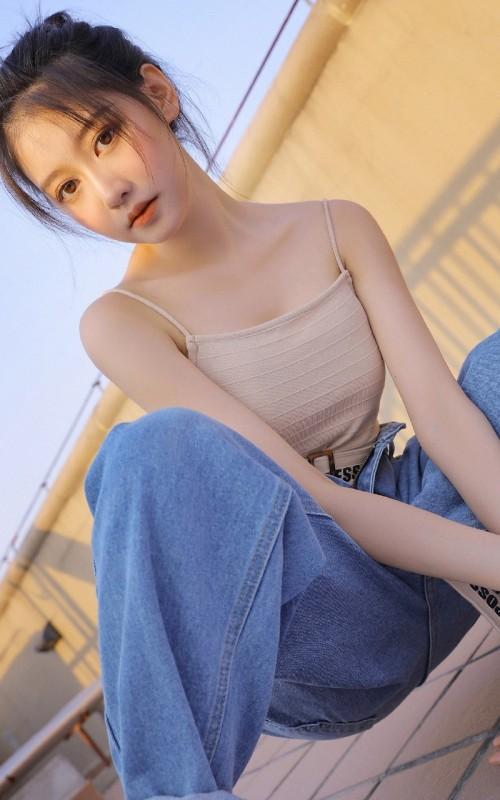清纯养眼美女模特美乳曼妙曲线人体艺术写真图片