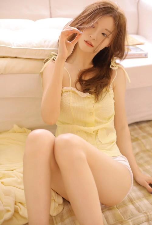妖娆抚媚宅男性感女神居家床上脱衣舞人体艺术写真-美眉图吧