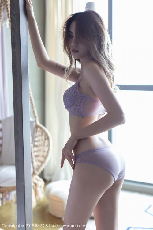 异域美人Arlie蕾丝内衣真空上阵嫩模超大胆大尺度人体写真