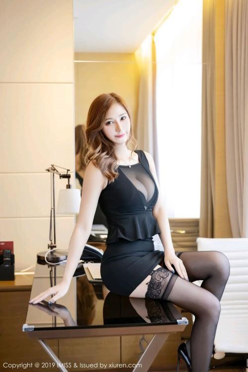 魅惑妖姬Lavinia情趣黑丝袜紧身内衣欧美极品人体写真-美眉图吧