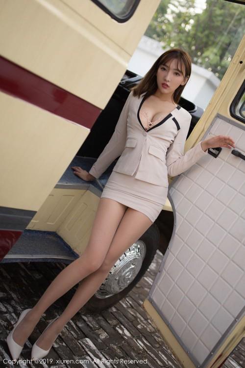 风俗媚娘陆萱萱开胸露乳装齐b超短裙亚洲大胆人休艺术照