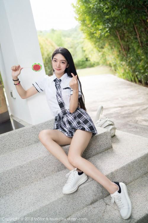 清纯学妹小热巴学生制服超短裙诱惑gogo全球人体高清写真