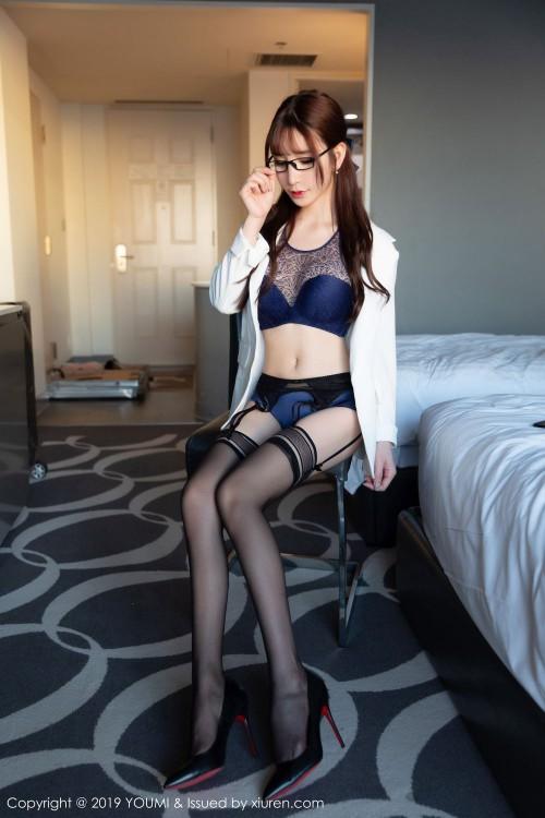 风情熟女周于希黑丝吊袜带性感内衣gogo全球人体高清大胆写真