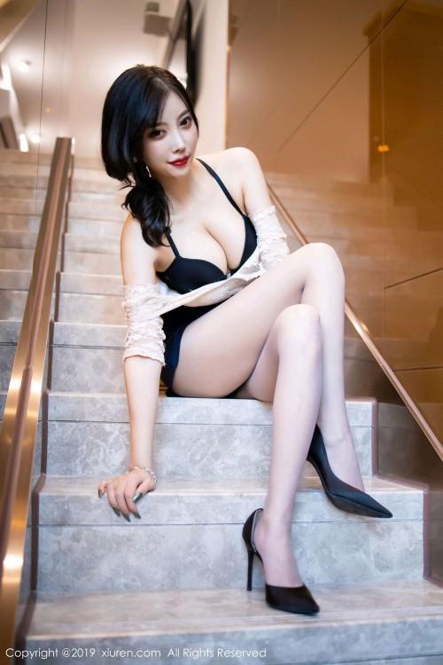 都市丽人杨晨晨ol制服高跟美腿丝袜诱惑gogo人体写真
